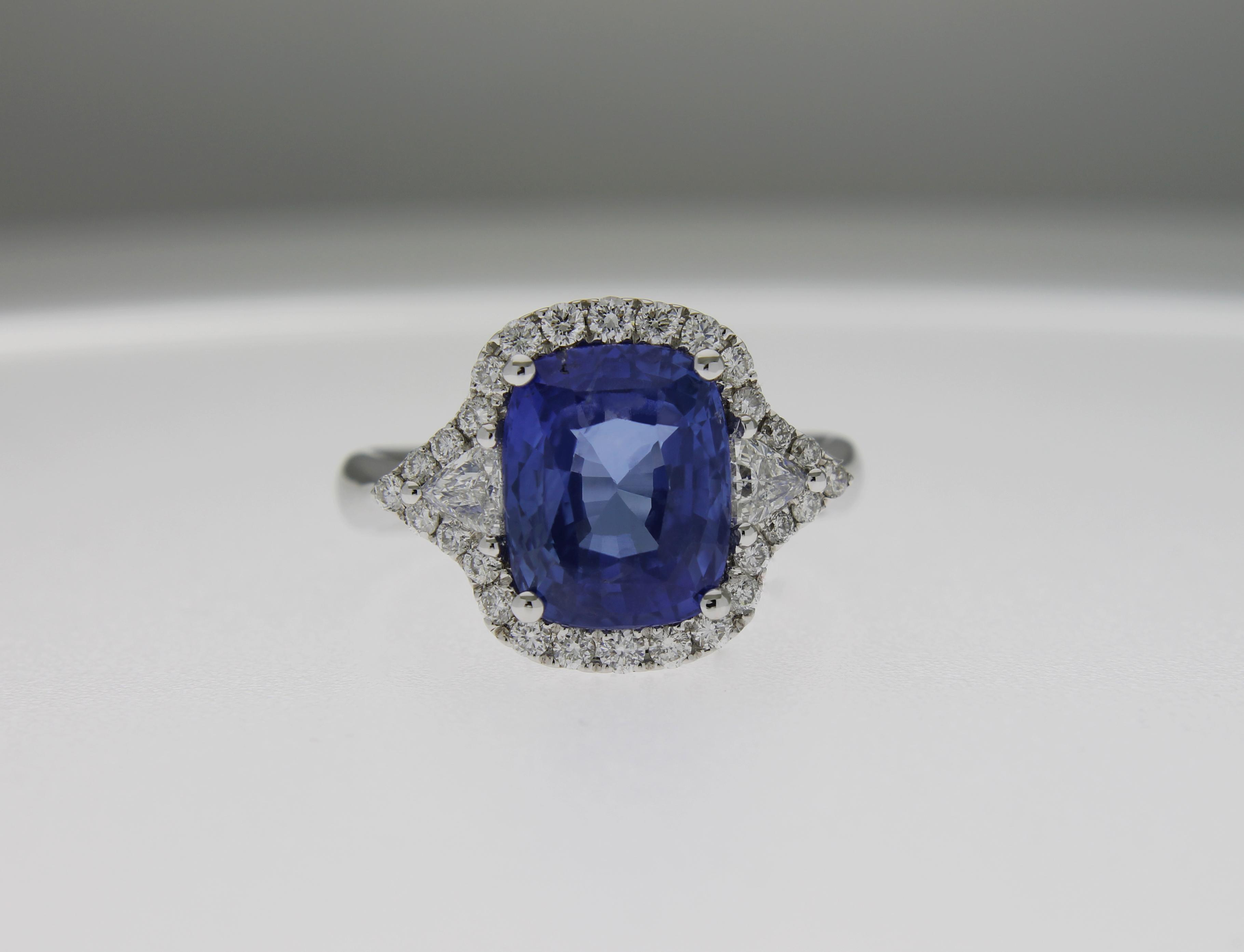 più amato cdce7 231e2 Anello Casavola zaffiro e diamanti triangolari - Casavola ...