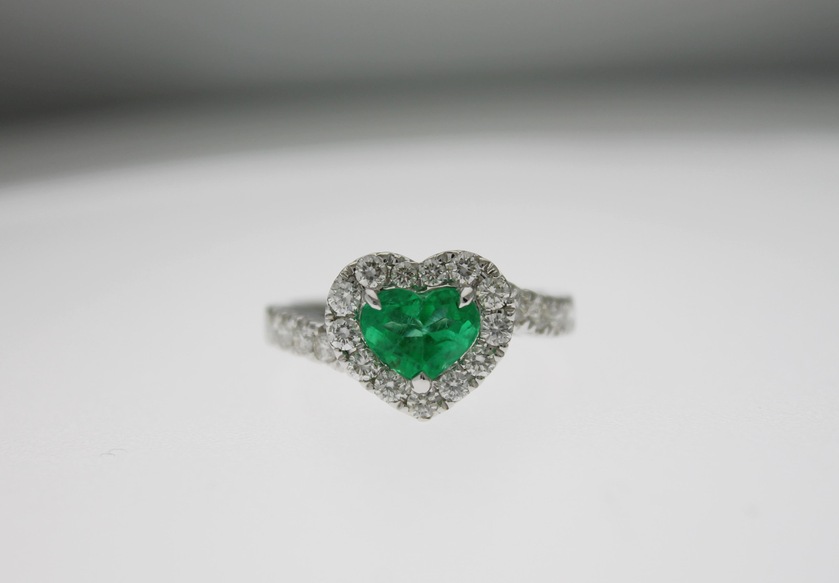 codice coupon migliore vendita top design Anello smeraldo cuore e diamanti - Caratura singola - Casavola ...