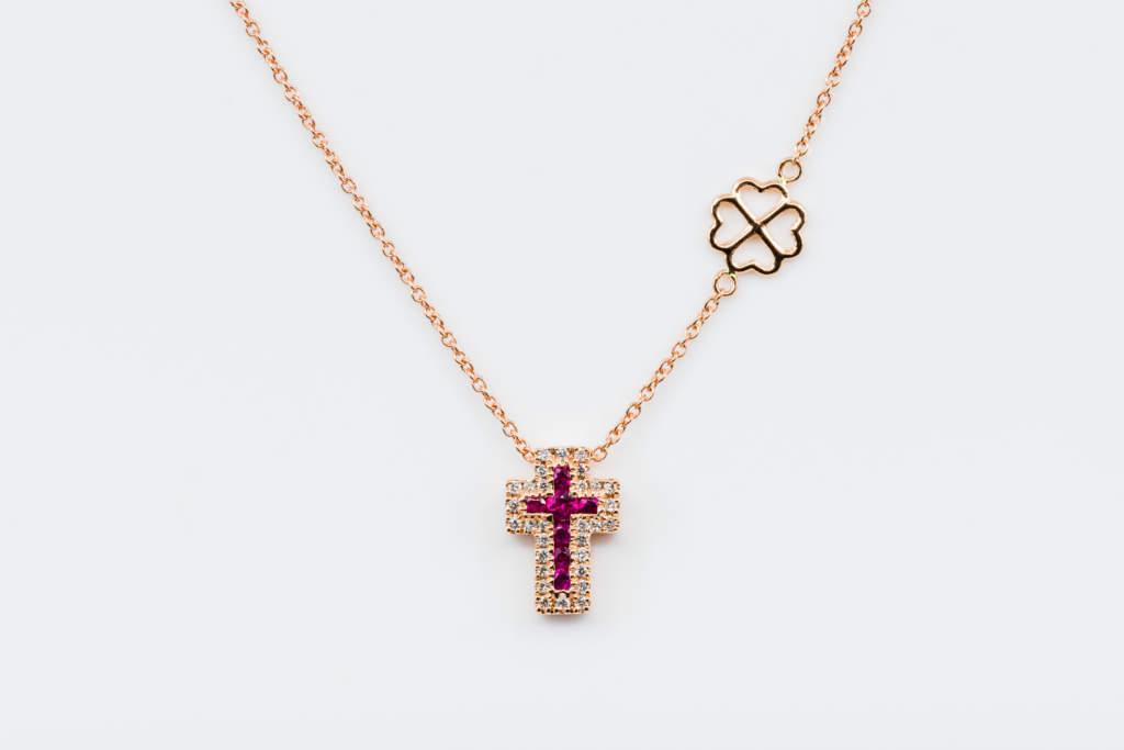 Collana croce Angelus rose rubini - Gioielleria Casavola Noci - idea regalo battesimo oro rosa