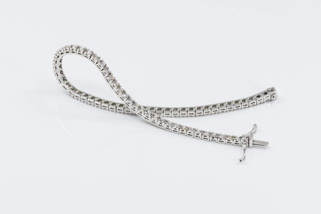 Bracciale tennis diamanti Prestige idea regalo - Gioielleria Casavola Noci