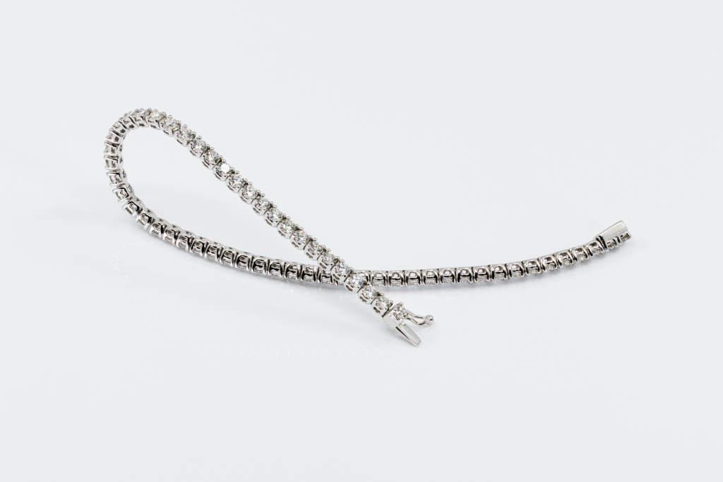 Bracciale tennis oro bianco diamanti con brillanti - Gioielleria Casavola Noci