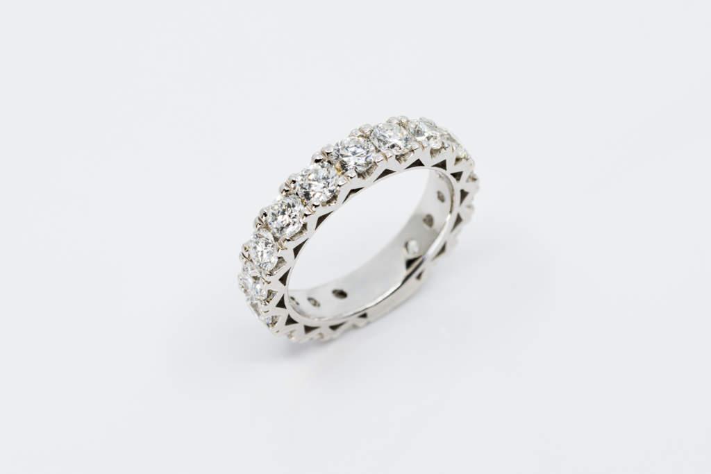 Girodito diamanti Infinity white - Gioielleria Casavola Noci big - anello fidanzamento importante