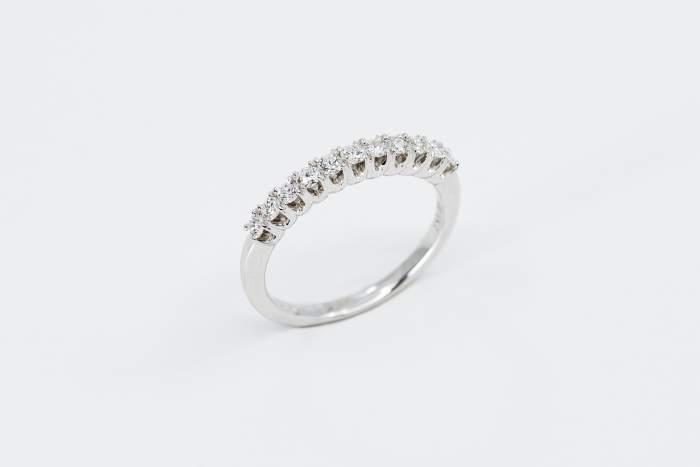 Veretta 11 diamanti white - anello fidanzamento idea regalo - Gioielleria Casavola Noci
