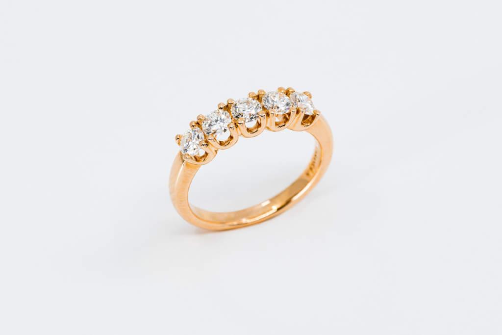 Veretta 5 diamanti rosé - anello proposta di matrimonio importante - Gioielleria Casavola Noci