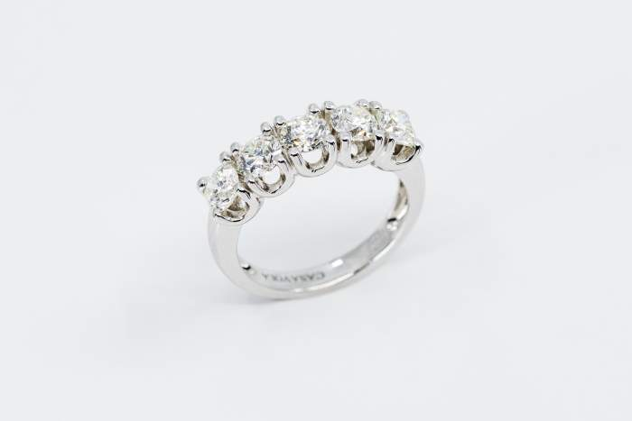Veretta 5 diamanti white certificati - Anello fidanzamento promessa matrimonio - Gioielleria Casavola Noci