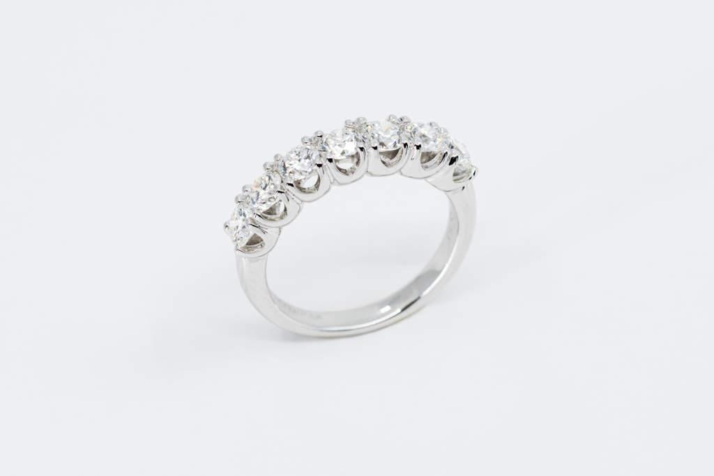 Veretta 7 diamanti white - anello proposta di matrimonio importante - Gioielleria Casavola Noci