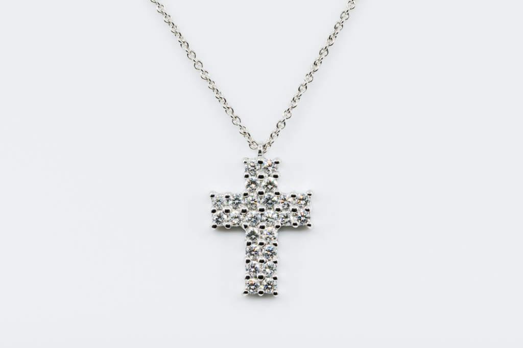 Collana croce diamanti Angelus White Petite - Gioielleria Casavola Noci - idea regalo prima comunione - main