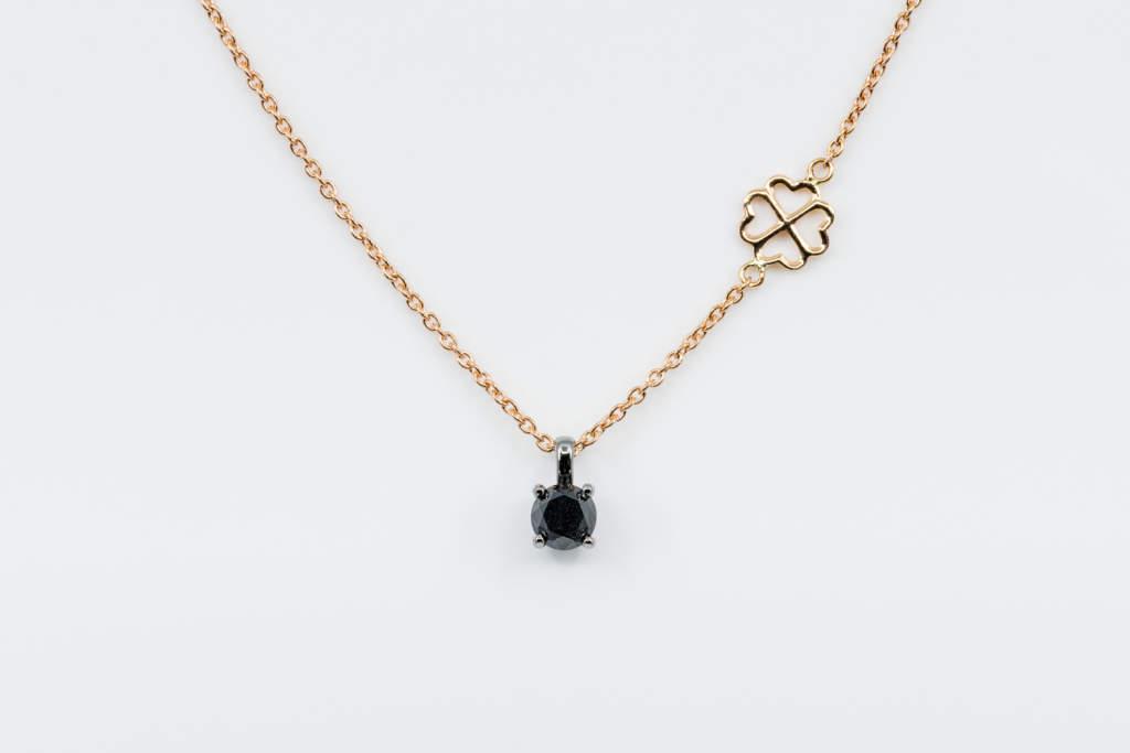 Collana punto luce diamante nero uomo Black Rose - idea regalo compleanno fidanzato - Gioielleria Casavola Noci