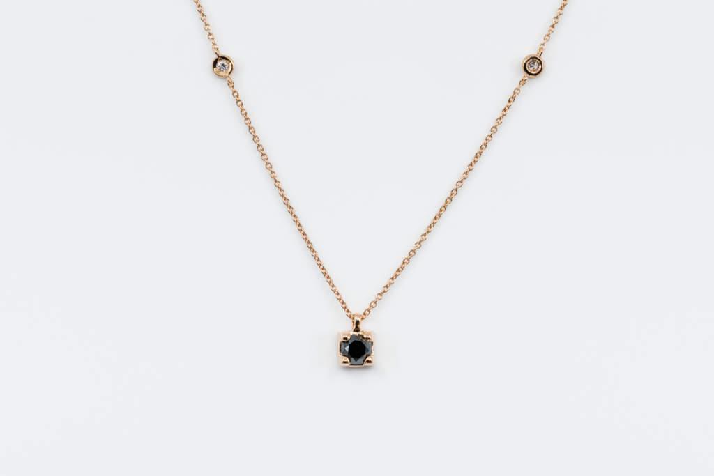 Collana punto luce diamante nero uomo rosé square - idea regalo per lui - Gioielleria Casavola Noci