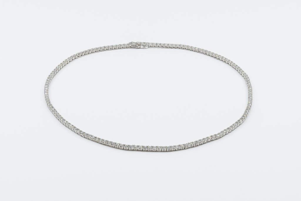 Collana tennis diamanti Prestige - Gioielleria Casavola Noci - gioielli di lusso in oro bianco