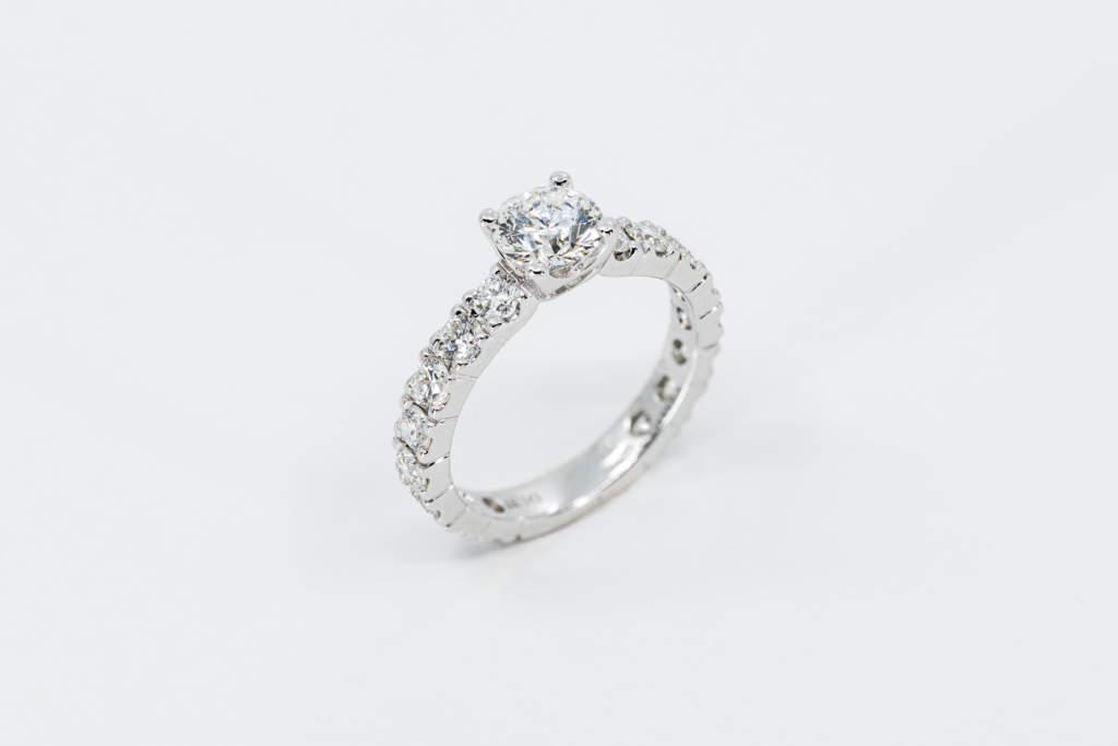 Fedina diamanti girodito White Oro bianco - Gioielleria Casavola Noci - anello di fidanzamento importante