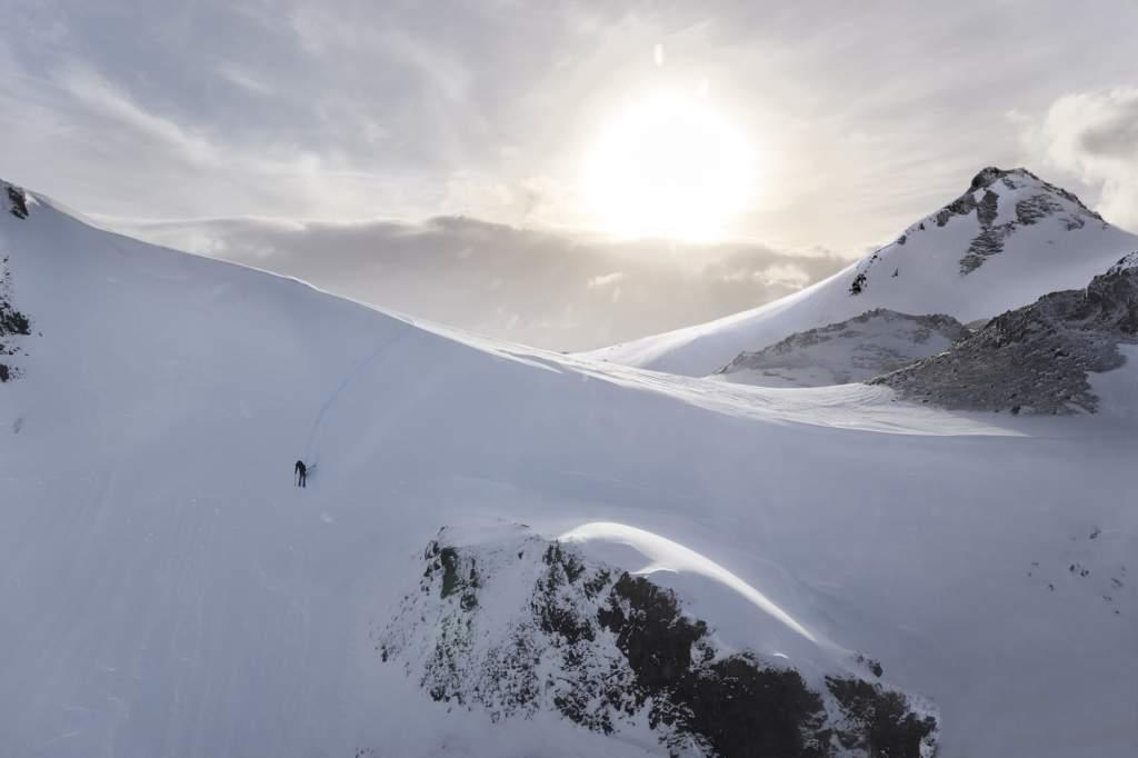 Garmin Fenix 6 Pro Titanium Sapphire 47 mm Smartwatch GPS Multisport - Gioielleria Casavola Noci - Still life Snowboard