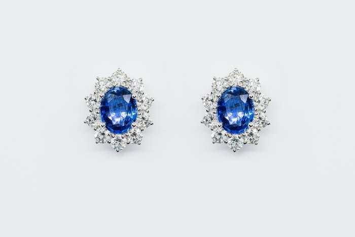 Orecchini rosetta zaffiro diamanti Prestige - Gioielleria Casavola Noci - idea regalo donna oro bianco - gioielli importanti