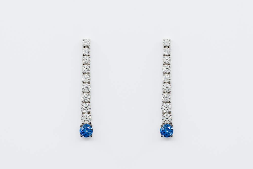Crivelli orecchini medi diamanti con zaffiro | Gioielleria Casavola Noci | Idea regalo donne | compleanno importante