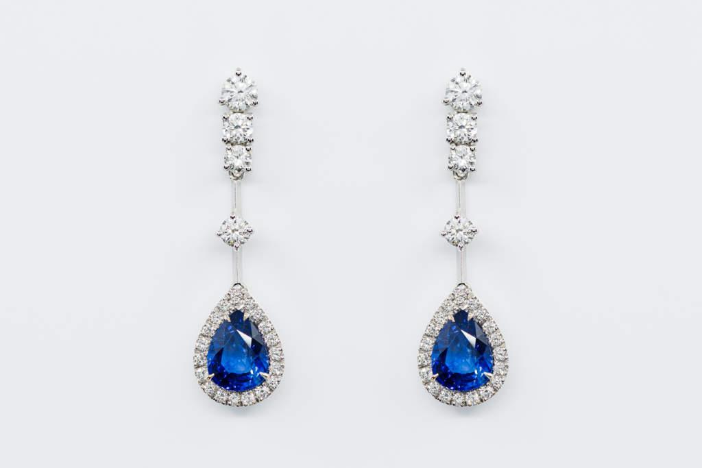 Crivelli orecchini pendenti con zaffiri goccia e diamanti | Gioielleria Casavola Noci | idea regalo donne | moderno