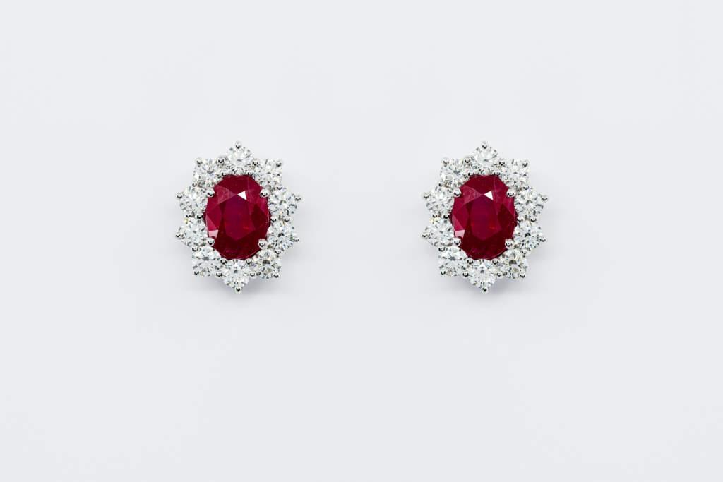 Crivelli orecchini rubini rosette oro bianco diamanti | Gioielleria Casavola Noci | 3 carati | Idea regalo donne