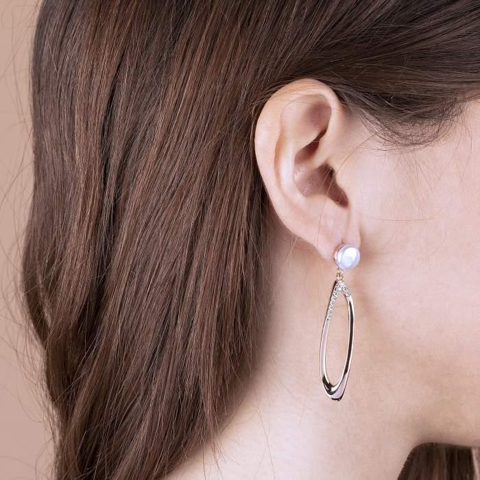 Orecchini perla Bronzallure WSBZ01488W idea regalo donna compleanno - Gioielleria Casavola Noci - indossato