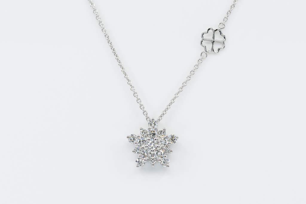 Collana King Snowflake diamanti white - Gioielleria Casavola di Noci - idee regali natale donne