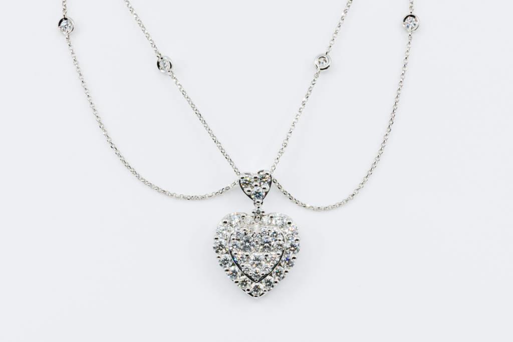 Collana cuore diamanti Invisibile Prestige - Gioielleria Casvola di Noci - idee regalo matrimonio importante