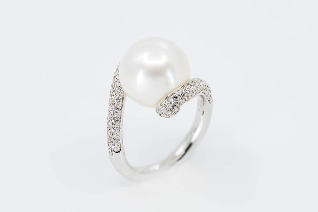 Crivelli anello oro bianco perla australiana - Gioielleria Casavola Noci - idee regalo donne importante