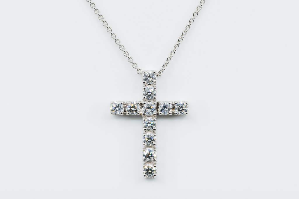 Crivelli collana croce diamanti - Gioielleria Casavola Noci - idee regalo battesimo