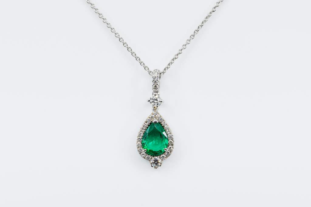 Crivelli collana goccia smeraldo e diamante - Gioielleria Casavola di Noci - idee regalo compleanno donne