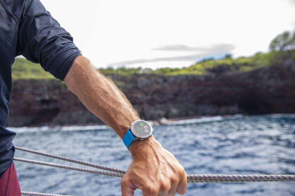Garmin Quatix 6 - Smartwatch GPS per la nautica - Casavola - Gioiellieri dal 1882 - Noci - Immagine Promozionale Mare