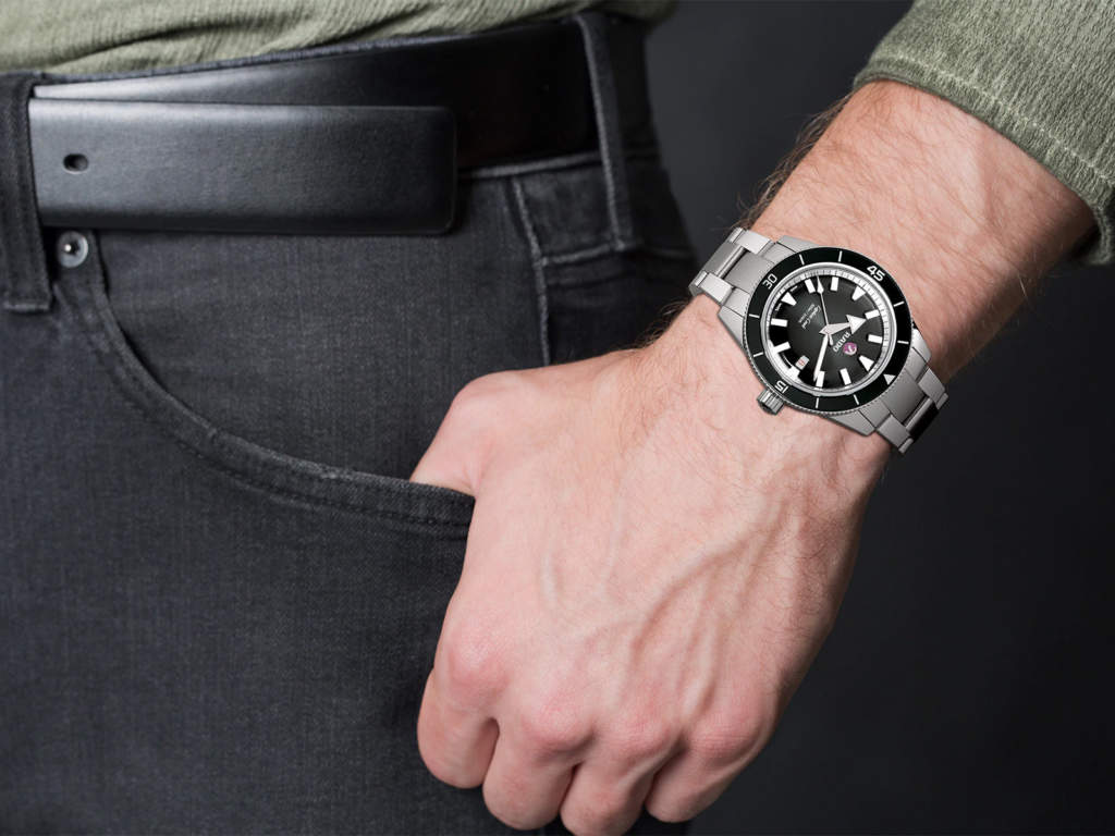 Rado Captain Cook R32105153 - Gioielleria Casavola Noci - indossato - orologio automatico uomo
