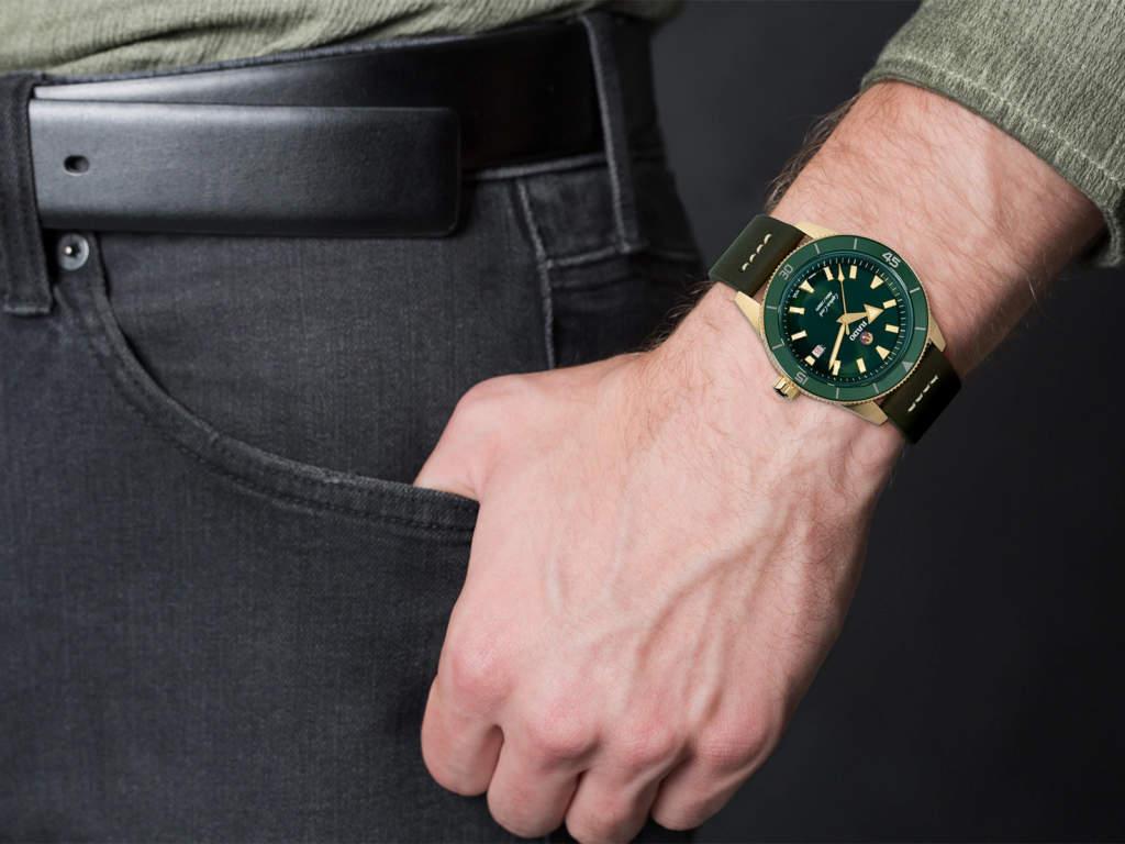 Rado Captain Cook R32504315 orologio subacqueo bronzo - Gioielleria Casavola Noci - indossato