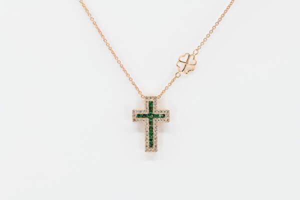 Collana croce Grand Angelus smeraldi rosè - Gioielleria Casavola Noci - idee regalo battesimo - maschietto e femminuccia