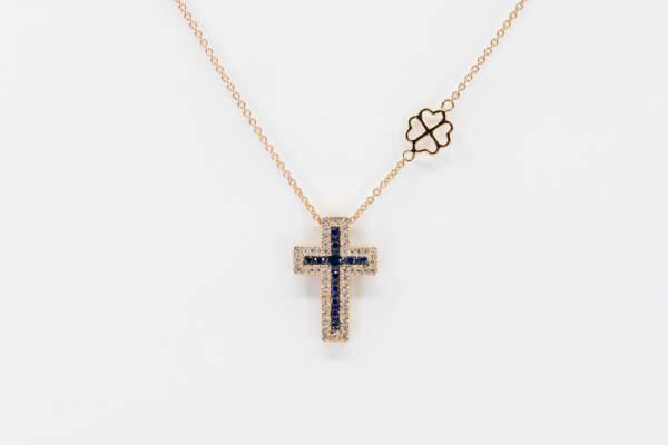 Collana croce Grand Angelus zaffiri rosè - Gioielleria Casavola Noci - idee regalo battesimo - maschietto e femminuccia