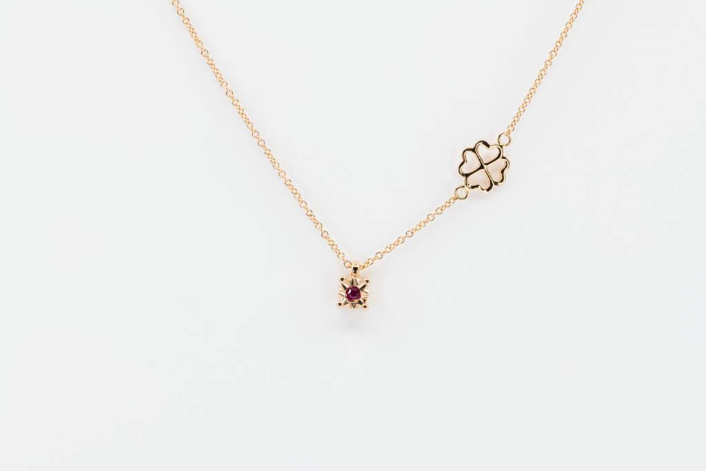 Collana punto luce rubino Starlight Rose - Gioielleria Casavola Noci - idee regalo donne per ogni occasione
