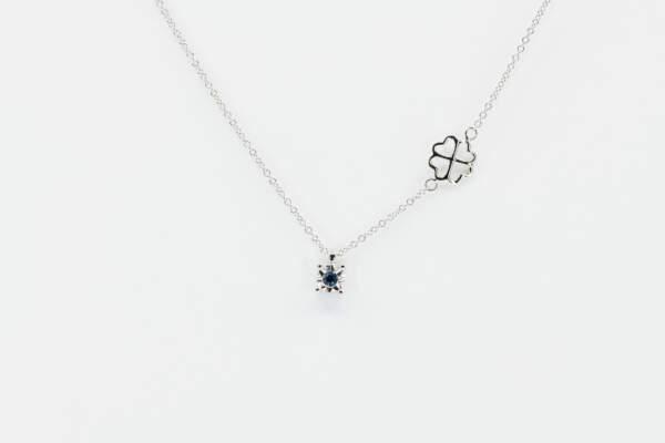 Collana punto luce zaffiro Starlight White - Gioielleria Casavola Noci - idee regalo donne per ogni occasione