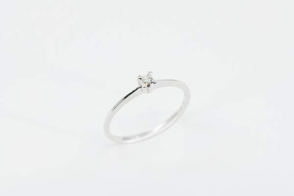 Crivelli anello solitario griffe a X - Gioielleria Casavola Noci - proposta di matrimonio - idee regalo economica
