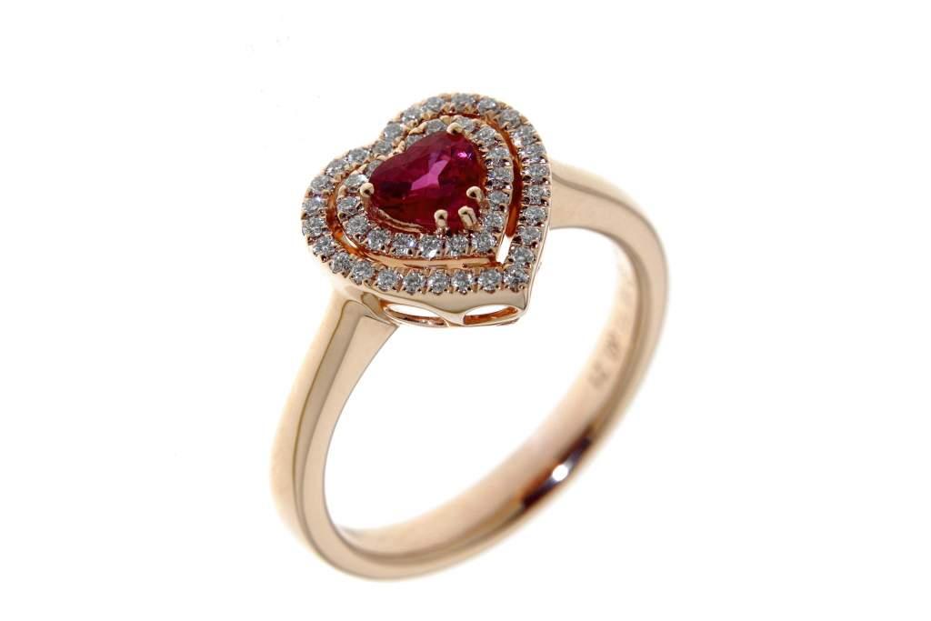 Anello cuore rubino pavé rose Prestige - Gioielleria Casavola Noci - idee regalo donne - main