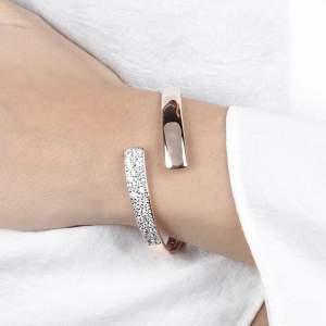 Bracciale rigido Bronzallure WSBZ01441W - Gioielleria Casavola Noci - idee regalo donne - indossato