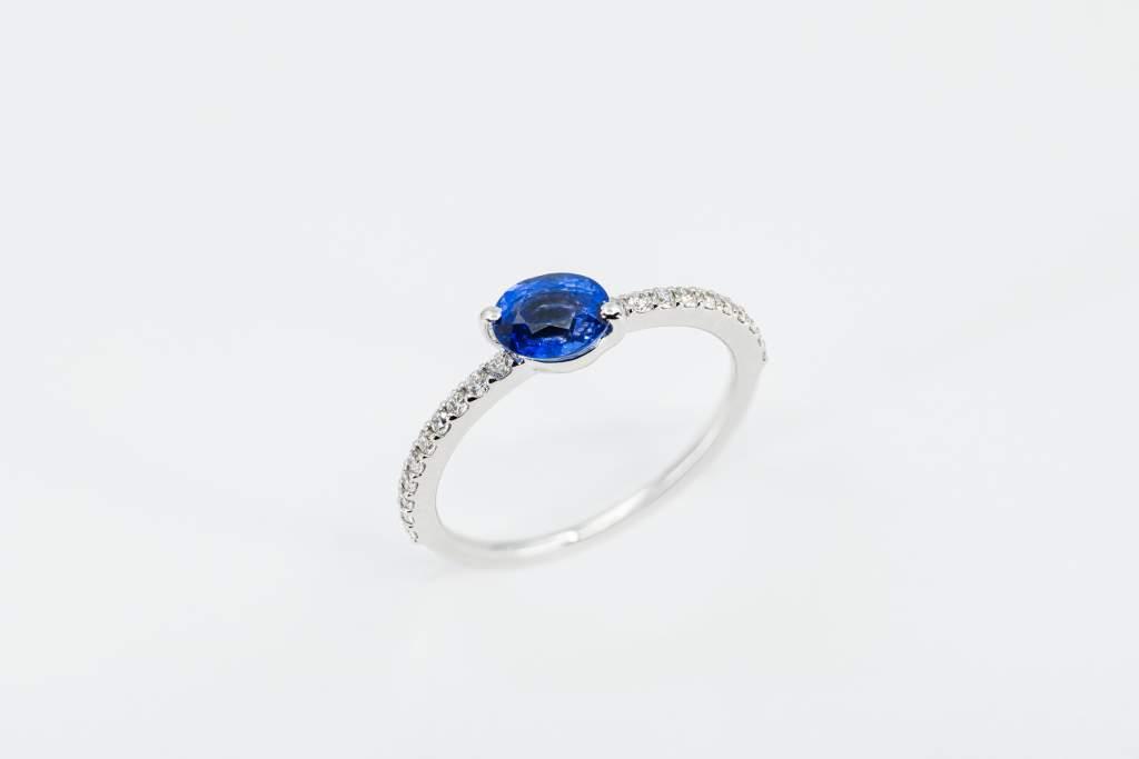 Crivelli anello zaffiro classico - Gioielleria Casavola Noci - idee regalo donne - main