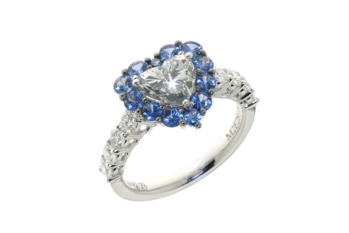 Anello cuore diamante pavé zaffiri white Prestige - Gioielleria Casavola Noci - proposta di matrimonio - main
