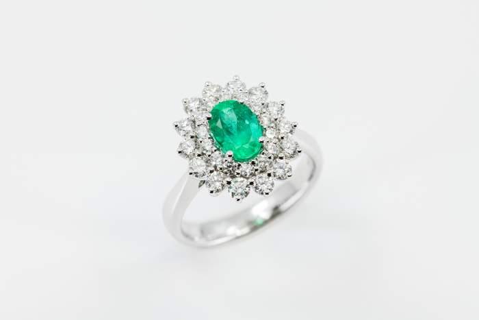 Anello smeraldo Green Dalia Nature - Gioielleria Casavola Noci - idee regalo donne