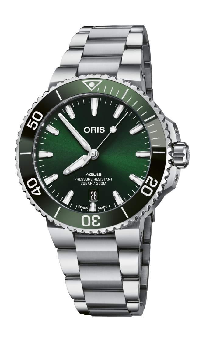 Oris Aquis Date 01 733 7766 4157-07 8 22 05PEB - Gioielleria Casavola Noci - orologio automatico uomo quadrante verde - main