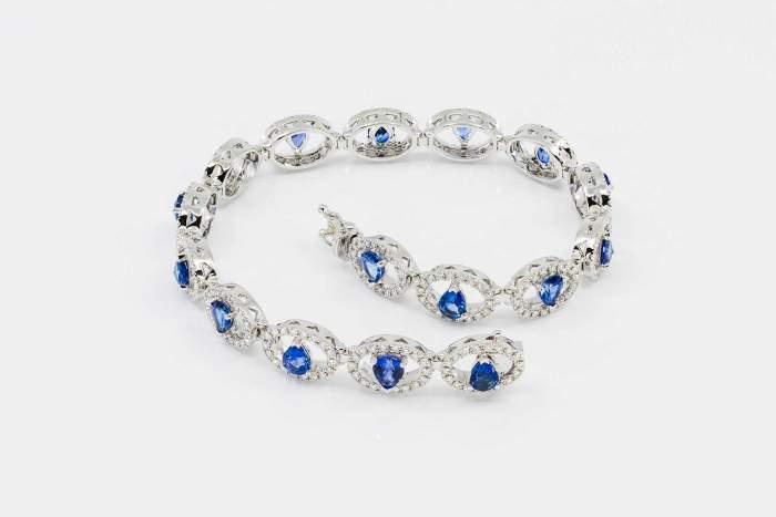 Bracciale fantasia pavè zaffiri goccia Prestige - Gioielleria Casavola Noci - idee regalo donne - high end jewelry