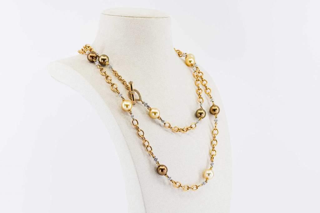 Collana perle oro rosa Prestige - Gioielleria Casavola Noci - idee regalo donne - perle australiane - perle indonesiane - indossata