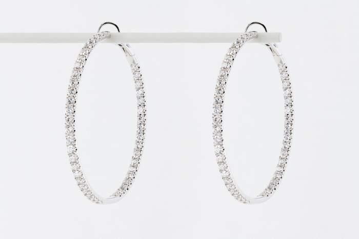 Crivelli orecchini cerchio grandi oro bianco pavé - Gioielleria Casavola Noci - idee regalo donne
