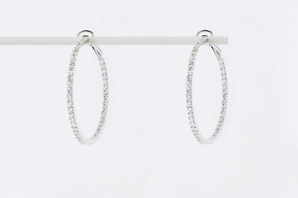 Crivelli orecchini cerchio oro bianco pavé medi - Gioielleria Casavola Noci - idee regalo donne