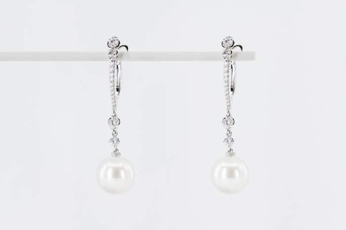 Crivelli orecchini pendenti lunghi perle e diamanti - Gioielleria Casavola Noci - idee regalo donne - high jewellery pearl