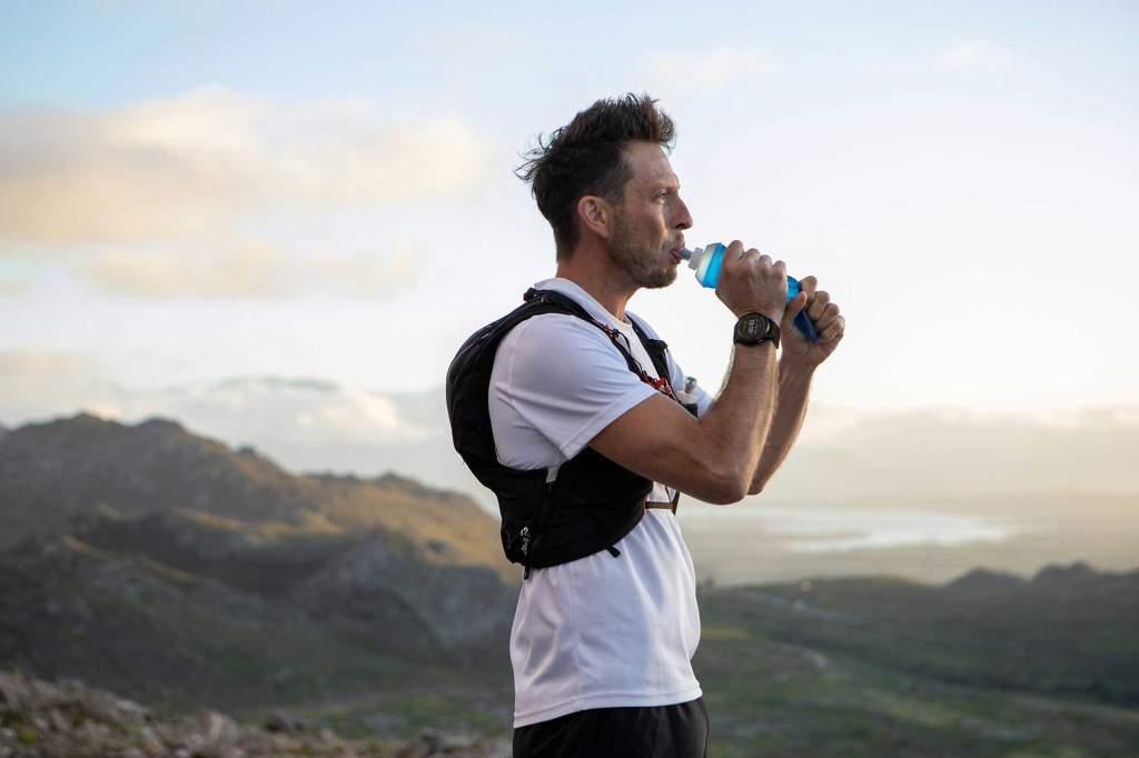 Garmin Enduro - Gioielleria Casavola Noci - sportwatch GPS multifunzione - still life - runner uomo