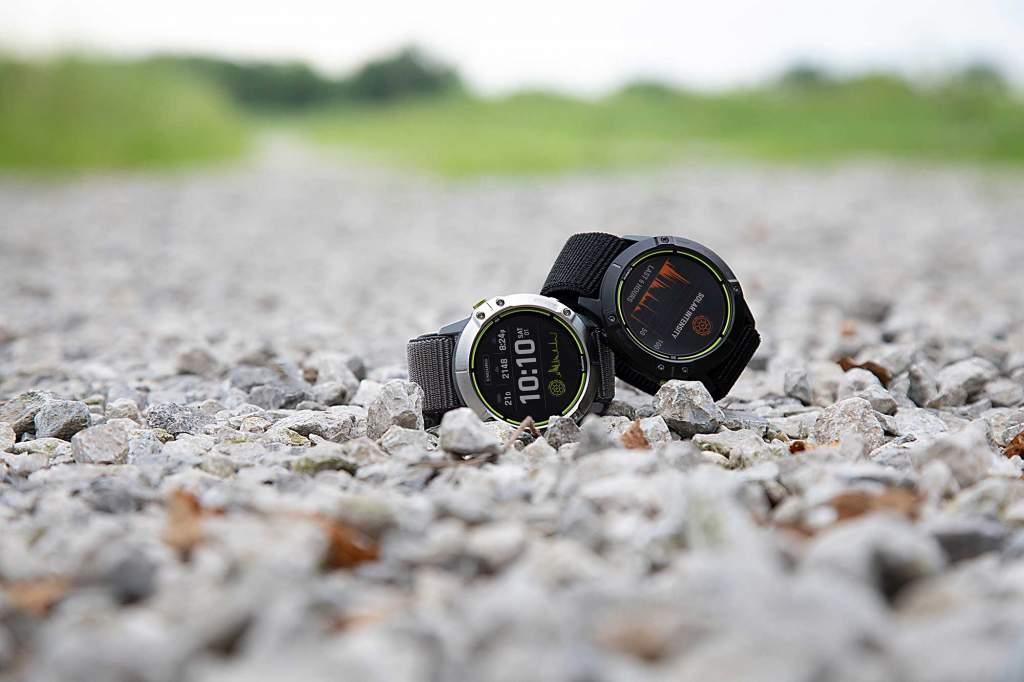 Garmin Enduro - Gioielleria Casavola Noci - sportwatch GPS multifunzione - still life - two models